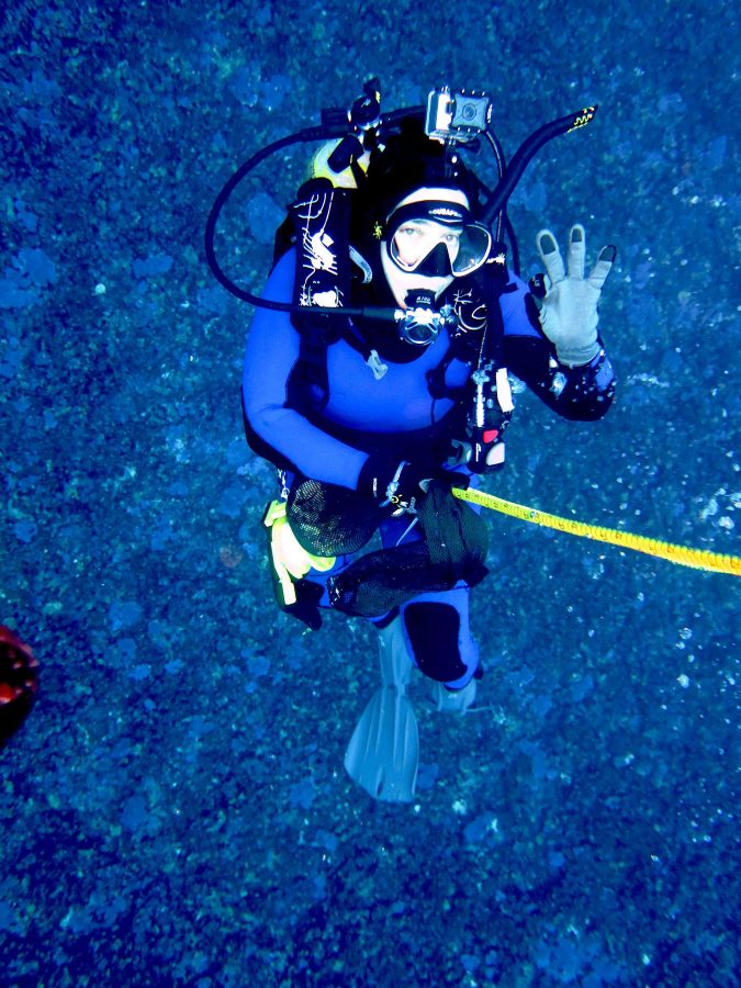 Dr. Maya Pfaff scuba diving